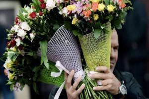 Как часто мужчины дарят цветы и что их останавливает