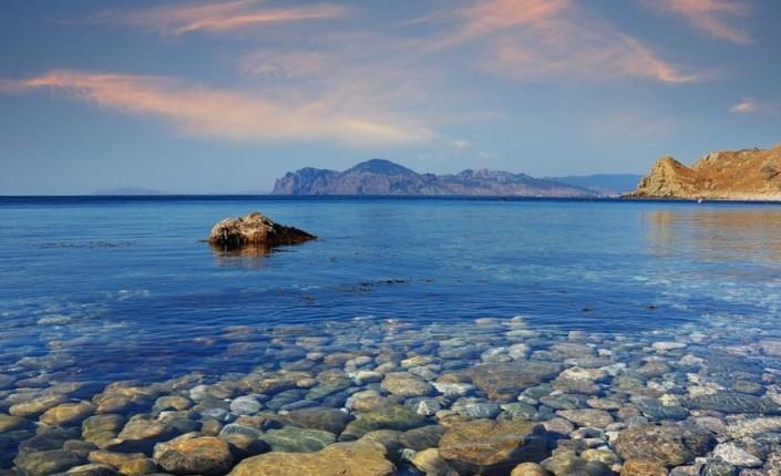 Интересный курорт Феодосия ждет Вас с друзьями